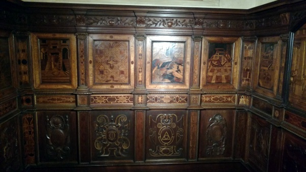 Part of a chapel from the 1500s done in wood inlay.