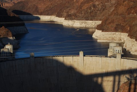 Dropping water levels in Lake Mead, behind Hoover Dam. (Source: Peter Gleick 2013)