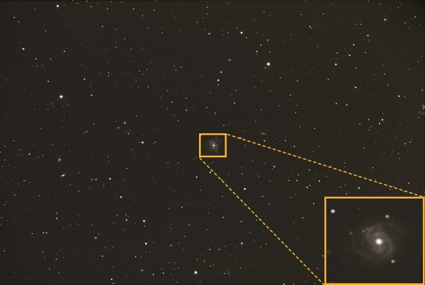 Image credit: Mike Hankey, via http://www.mikesastrophotos.com/galaxies/m100/; annotation & magnification by me.