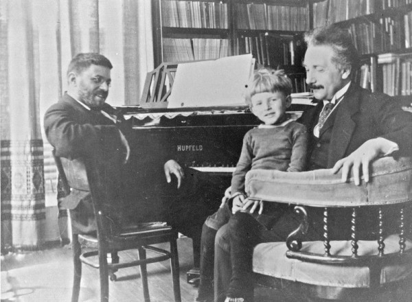 Paul Ehrenfest, his son Paul Jr. and Albert Einstein, Courtesy Wikimedia Commons.