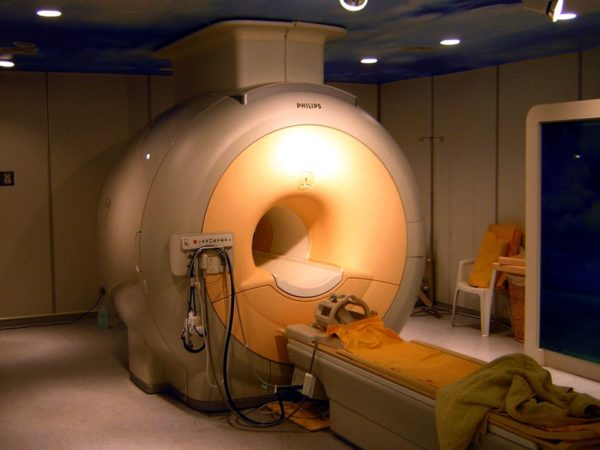 A modern high field clinical MRI scanner. MRI machines are the largest medical or scientific use of helium today. Image credit: Wikimedia Commons user KasugaHuang, under a c.c.a.-s.a.-3.0 license.
