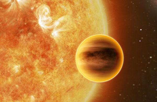 An artist's illustration of a hot Jupiter world. If you're hot enough to boil off the atmosphere, you can wind up with a rocky Super-Earth, but the temperatures will be so high that you'll roast your planet. Image credit: ATG medialab, ESA.