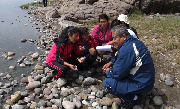 Peruvian teachers in the Blue Planet workshop